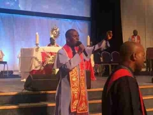"""Father Mbaka Storms London For """"When Power Changes Hand"""" (Photos, Video)"""